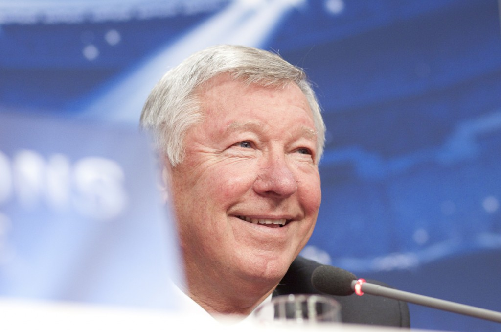 sir_alex_ferguson_gives_his_stamp of_approval_for_magma_products_schools_health_challenge